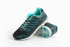 Hommes faits indiens chaussures de sport du ` s Images stock