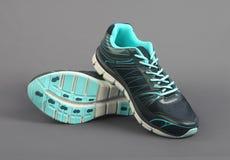 Hommes faits indiens chaussures de sport du ` s Photo libre de droits