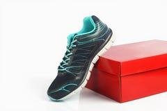 Hommes faits indiens chaussures de sport du ` s Photographie stock