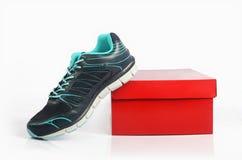 Hommes faits indiens chaussures de sport du ` s Image stock