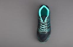 Hommes faits indiens chaussures de sport du ` s Photos libres de droits