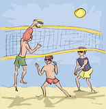 Hommes jouant le volleyball de plage Photo stock