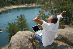 Hommes occupés des vacances Photo libre de droits
