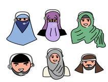 hommes principaux et femmes musulmans musulmans avec le microphone et le centre d'appels fonctionnant Images stock