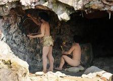 Homo sapiensgrottainvånare royaltyfria bilder