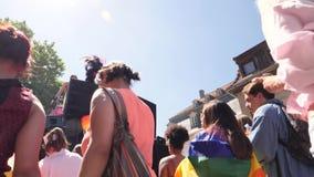Homoseksualna duma w zwolnionym tempie tanczy LGBT dziewczyn ludzi zbiory