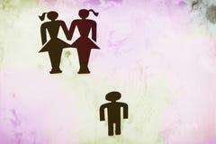 Homosexuella par med barnet, statyetter, homobröllop, önska för barn Royaltyfria Bilder