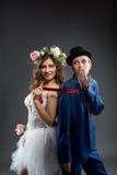 Homosexuelle Ehe Geschossen von der eleganten Braut und vom Bräutigam Lizenzfreies Stockfoto