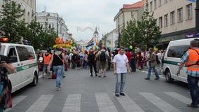 Homosexuelle Parade der Leute bereiten sich vor stock video