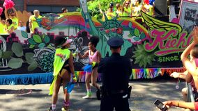 Homosexuelles Pride Parade Kiehl ` s New York Floss stock video footage