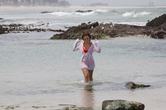 Hon ÄLSKAR havet Royaltyfri Foto