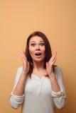 Hon vinkade hans händer i överraskning Fotografering för Bildbyråer