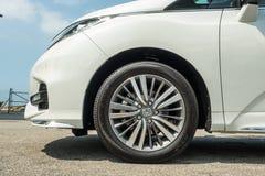Honda Odyssey 2018 hjul royaltyfria foton