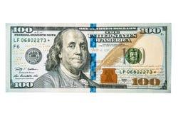 Honderd die dollarsclose-up, op wit wordt geïsoleerd stock afbeelding
