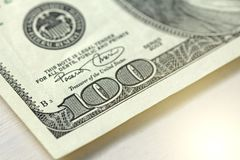 Honderd Dollars met Één Nota 100 dollars Stock Foto