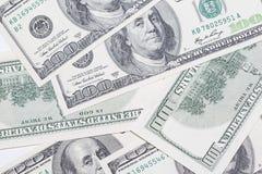 Honderd dollarsrekeningen als achtergrond Financiële geldstapel, Stock Foto's