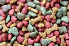 Hondevoer en kattenvoedsel Stock Foto