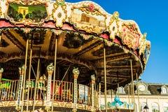 Hondleur, Francia - 2019 Carrusel del circo cerca del puerto de Honfleur, ciudad francesa famosa en Normandía fotografía de archivo libre de regalías