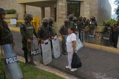 Honduras protesta 21 de diciembre - Tegucigalpa 2017 Honduras 9 Foto de archivo