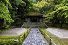 Honen-in, een Boeddhistische die tempel in Kyoto, Japan wordt gevestigd stock afbeeldingen