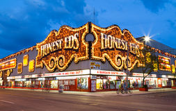 Honest Eds at Night Royalty Free Stock Photos