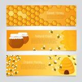 Honey Banners Leuke beeldverhaalhoningbijen met bijenkorf Beeldverhaal polair met harten vector illustratie