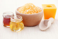 Honey bath salt Royalty Free Stock Photos