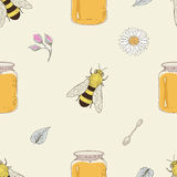 Honey bees and flowers seamless pattern Royalty Free Stock Images
