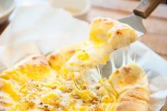 Honey Cheese Pizza dolce Fotografia Stock Libera da Diritti