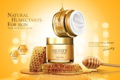 Honey cream jar ads. With honeycombs and dipper on golden glittering background, 3d illustration vector illustration