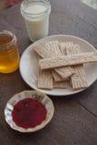Honey and crispbread Royalty Free Stock Photos