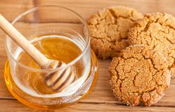 Honey ginger cookies with milk on a rustic background Royalty Free Stock Photos