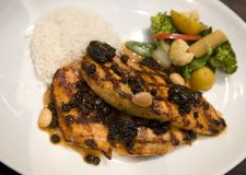 Honey glazed  chicken breast with dried fruit Royalty Free Stock Photos