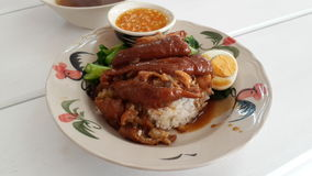 honey&herb在米的猪排 免版税图库摄影