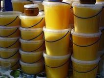 Honey Packed en envases de plástico Imagen de archivo