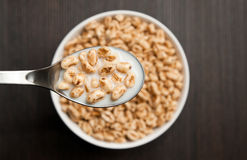 Honey pop cereal flakes Royalty Free Stock Photography