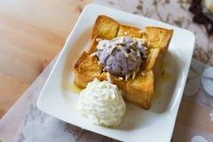 Honey toast with brown rice ice-cream Stock Photography