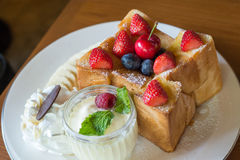 Honey toast with Fresh fruit Royalty Free Stock Images