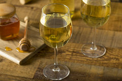 Honey Wine Meade giallo dolce fotografia stock