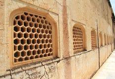 Honeycomb Deseniująca okno pokrywa. Obrazy Royalty Free