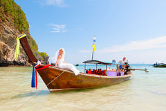 Honeymoon. After the wedding bride and groom travel to the sea Royalty Free Stock Photos