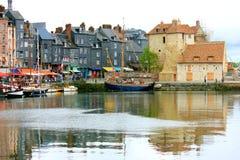 Honfleur i Normandie fotografering för bildbyråer