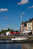 Honfleur und Normandie-Brücke Stockbild