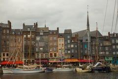 Honfleurhaven en de oude stad Stock Fotografie