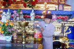 Hong Jiang, China: adoración del templo Fotografía de archivo libre de regalías