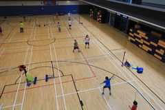 Hong Kong-badmintonzaal in Hang Hau Sports Centre Stock Afbeeldingen