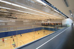 Hong Kong-badmintonzaal in Hang Hau Sports Centre Stock Afbeelding