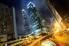 Hong Kong Business Center bij Nacht Stock Afbeeldingen