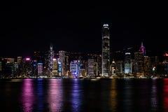 Hong Kong Central Harbor sikt vid natt Royaltyfri Bild