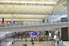 Hong Kong, China - 15 de agosto de 2018: Partida e chegada do passageiro no aeroporto de Hong Kong fotos de stock royalty free